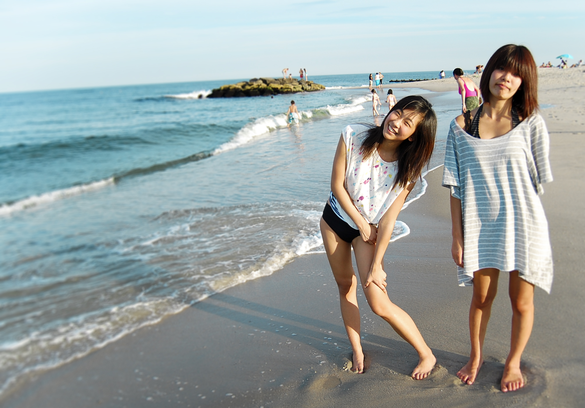 chinese-tourists-on-beach